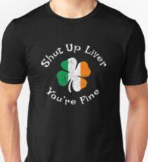 Halt die Schnauze Leber du bist fein - lustige St. Patricks Day Shirt Slim Fit T-Shirt