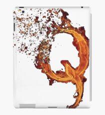 Vinilo o funda para iPad QAnon Fiery Q For Conspiracy Lightning Theorist Camiseta de Scralandore Design