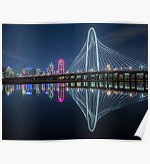 Dallas Bridge Reflexion bei Nacht Poster
