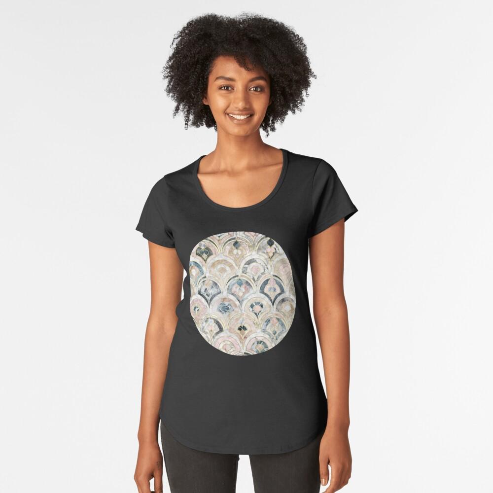 Art Deco Marmorfliesen in weichen Pastellfarben Premium Rundhals-Shirt