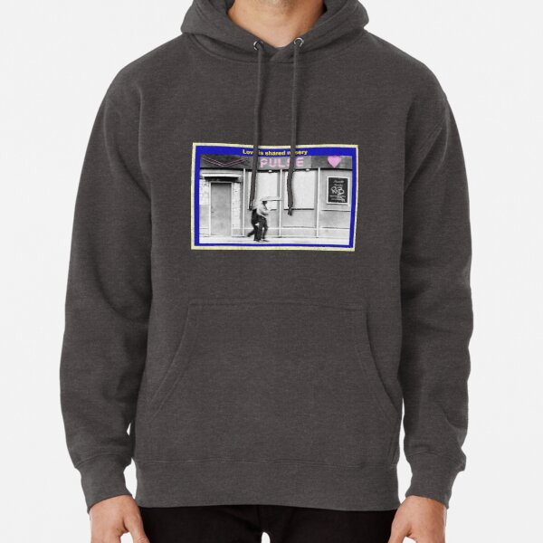 Love is shared misery Pullover Hoodie