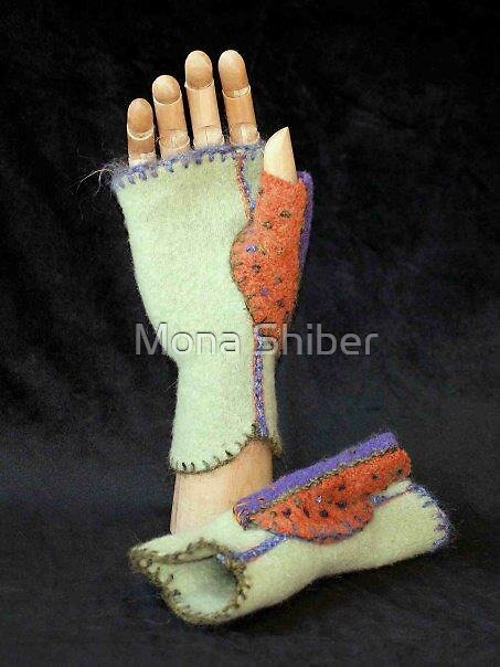 Minty Mittlets - finger-free mittens by Mona Shiber