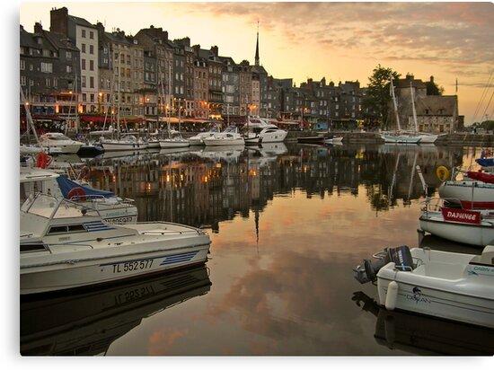 honfleur evening by dinghysailor1