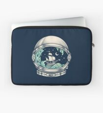 Spaceship Laptop Sleeve
