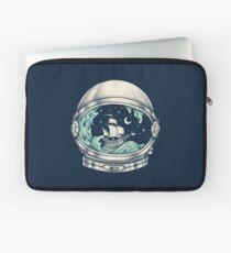 Spaceship Laptop Sleeve