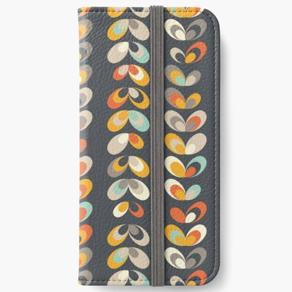 Retro seasons 02, Winter dreams iPhone Wallet