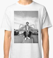 Kim Taehyung Flügel Classic T-Shirt