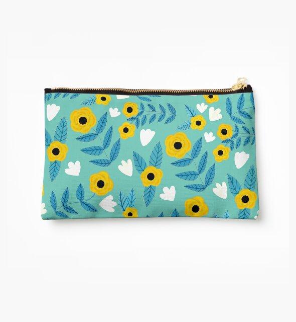 « Fleurs jaunes dansant / menthe » par Iisa Mönttinen