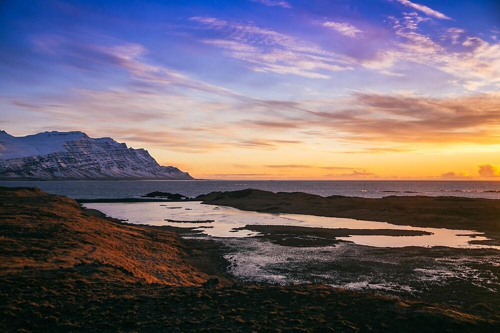Icelandic Sunrise by jnyquist