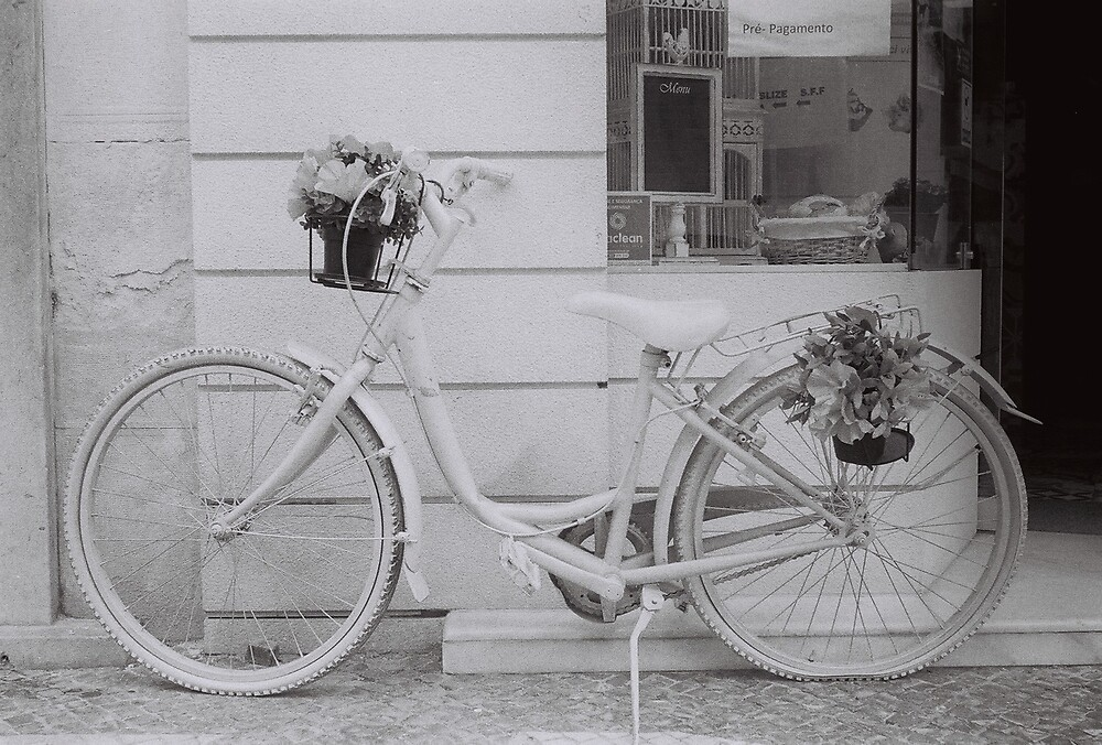 tired old bicycle  by slowdiving