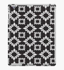 BLACK ORNAMENTAL Pop Art iPad Case/Skin