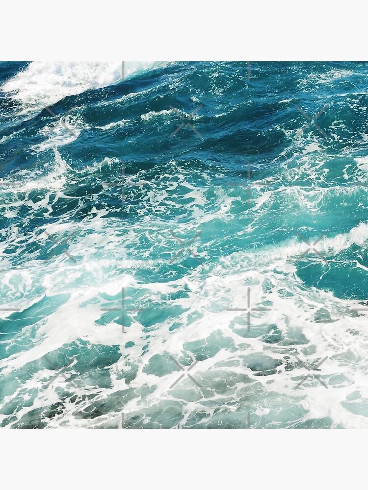 Olas azules del oceano de AlexandraStr