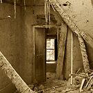 abandoned house in birkat al mouz by marycarr