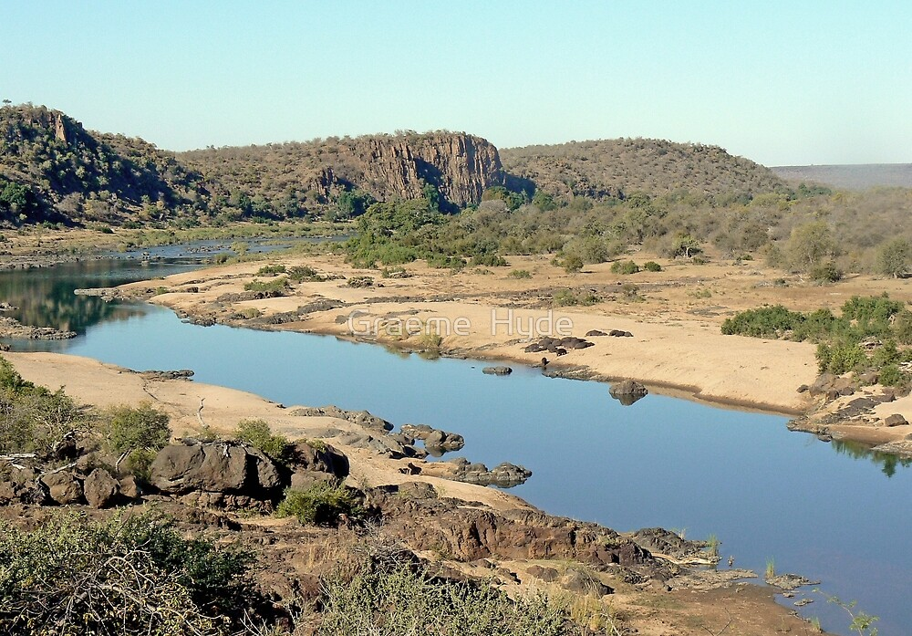 Looking over the Olifants River by Graeme  Hyde
