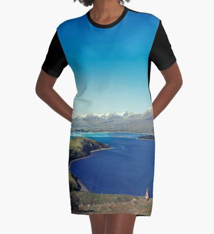 Sie fühlte sich im Lake Tekapo winzig T-Shirt Kleid