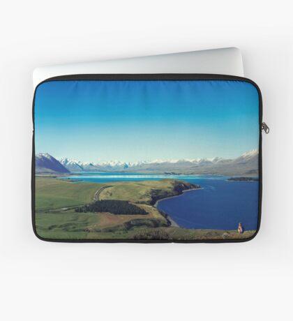 Sie fühlte sich im Lake Tekapo winzig Laptoptasche