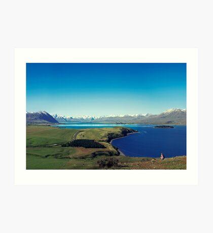 Sie fühlte sich im Lake Tekapo winzig Kunstdruck