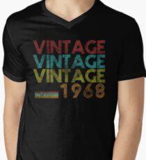 Vintage 1968- 50 Years Old 50th Birthday 60s Gift T-shirt Men's V-Neck T-Shirt