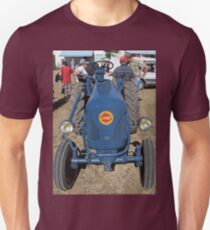 """Voitures  - Cars """" intense technical discussions of ancient times """"  18  (c)(h) by Olao-Olavia / Okaio Créations kodak z1285  2013 T-Shirt"""