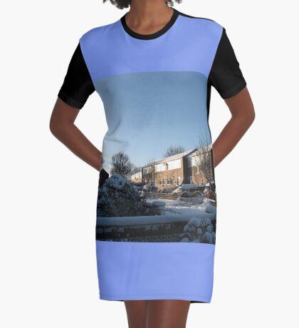 Sunshine and Snow T-Shirt Kleid