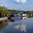 The Oxford Canal, Aynho by Viv Thompson