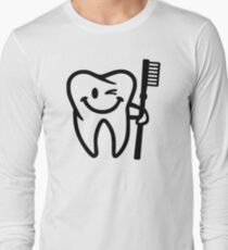 Happy tooth toothbrush Long Sleeve T-Shirt