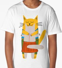 Hugging male and female cats Long T-Shirt
