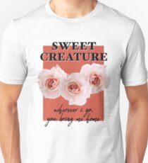 süße Kreatur Slim Fit T-Shirt