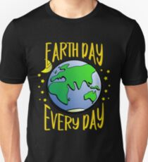 Don't Be Trashy, Save The Earth,  Help End Plastic Pollution. #earthday Unisex T-Shirt