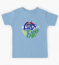 Don't Be Trashy, Save The Earth,  Help End Plastic Pollution. #earthday #lovetheearth Kids Tee