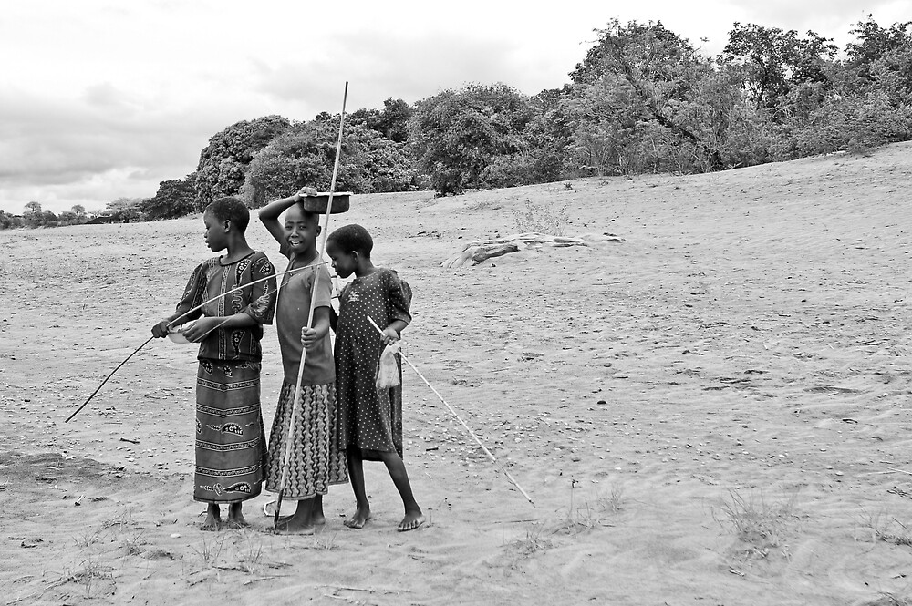 Nkhotakota girls, Lake Malawi by Tim Cowley