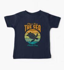 Bitte halten Sie das Meer frei Kunststoff - Retro Turtle Baby T-Shirt