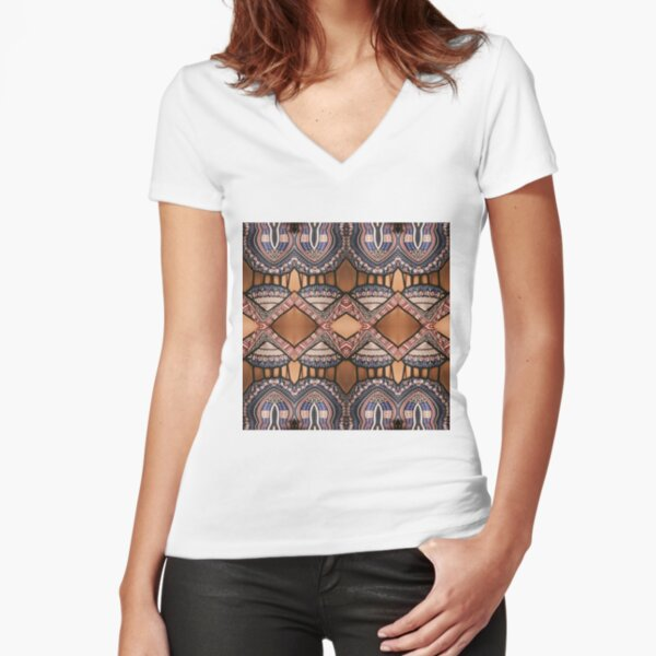 Pattern Fitted V-Neck T-Shirt