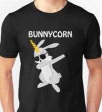 Ostern, das Bunnycorn-Osterhasen-Einhorn-Geschenk-T-Shirt abtupft Slim Fit T-Shirt