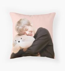 Kang Daniel Throw Pillow