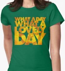 What a lovely day Women's Fitted T-Shirt