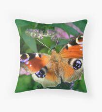Inachis io/Dagpauwoog  Throw Pillow