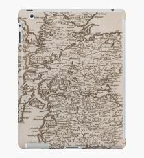 Vintage Map of Scotland (1681) iPad Case/Skin