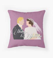 DA: Mary e Matthew Throw Pillow