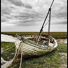 Abandoned On Thornham Marsh by ten2eight