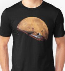 Spacex Starman im Orbit um Mars Unisex T-Shirt