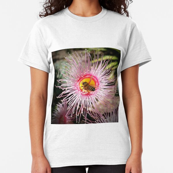 Bee on flowering gum Classic T-Shirt