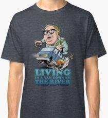 Camiseta clásica Viviendo en una furgoneta, junto al río