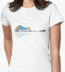 Natur-Gitarre - buntes Aquarell Tailliertes T-Shirt für Frauen