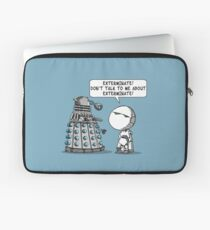 Marvin meets Who? Laptop Sleeve