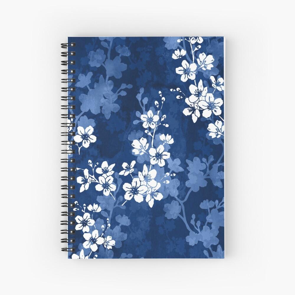 Flor de Sakura en azul profundo Cuaderno de espiral