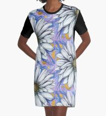 Daisy-with gold accents (April birth flower) Graphic T-Shirt Dress