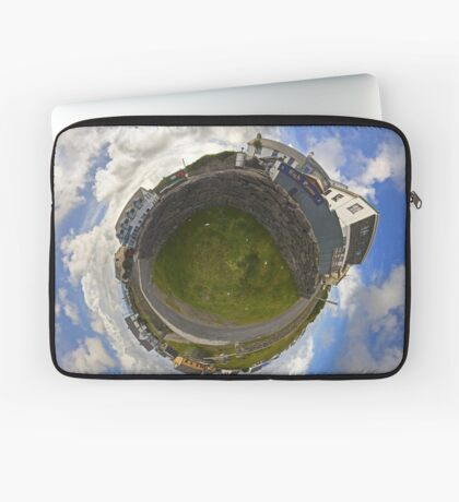 Tigh Ruairi - Inisheer Village (Sky out)  Laptop Sleeve