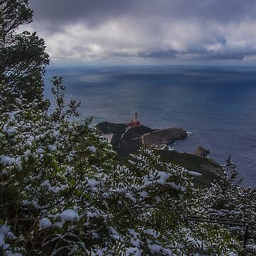 Lighthouse with snow by rafvanacore