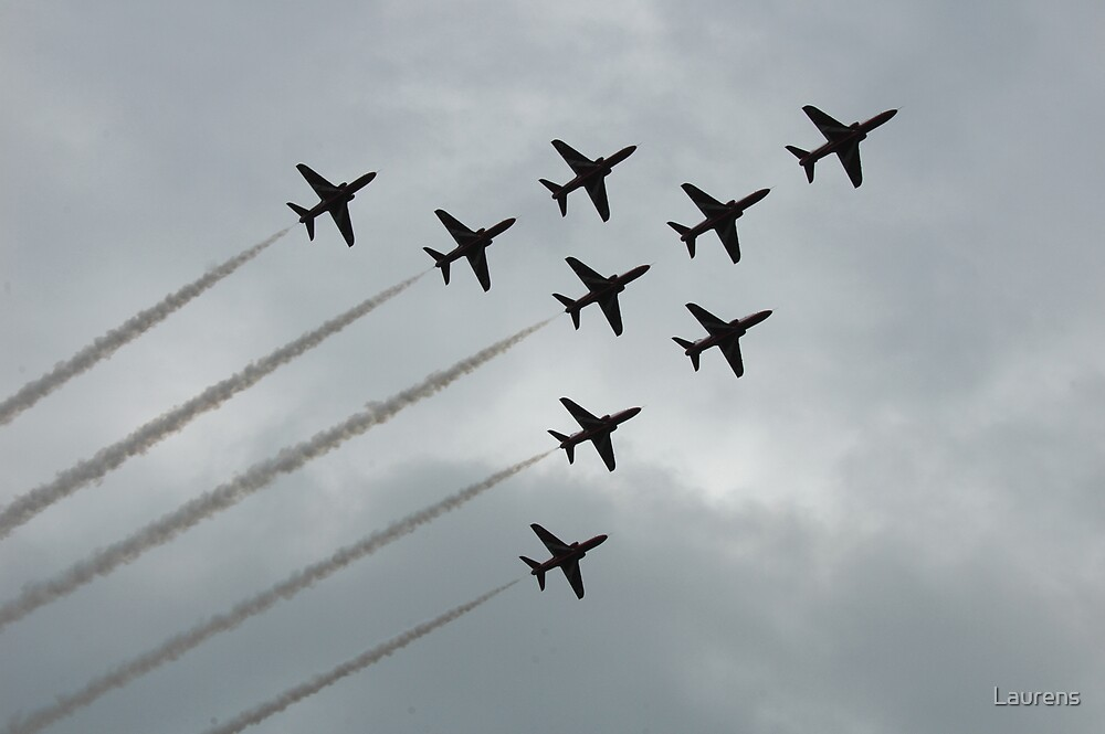 Red Arrows in the grey sky by Laurens